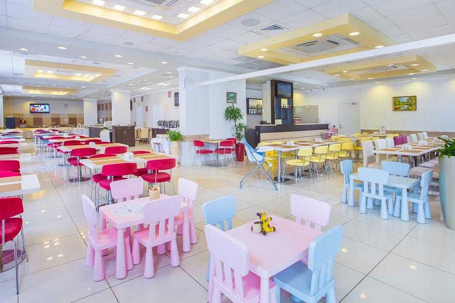 Детская зона в ресторане отеля Bridge Family, Сочи, Имеретинский курорт