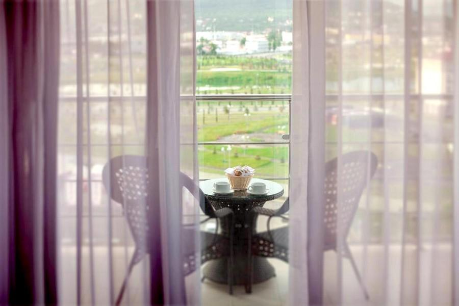 Номер Полулюкс отеля Bridge Resort, Сочи, Имеретинский курорт