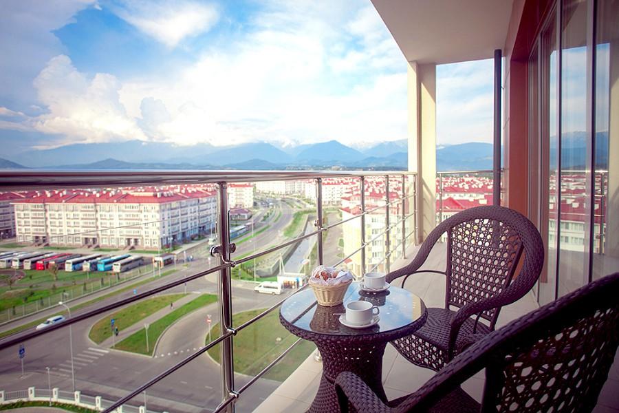 Вид с балкона номера отеля Bridge Resort, Сочи, Имеретинский курорт