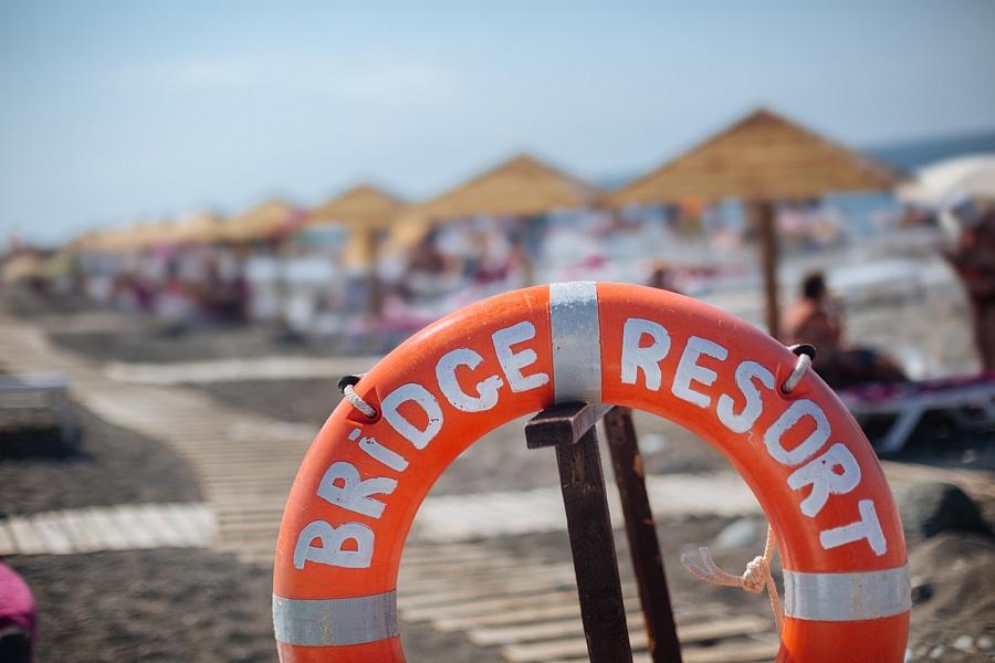 Пляж отеля Bridge Resort, Сочи, Имеретинский курорт