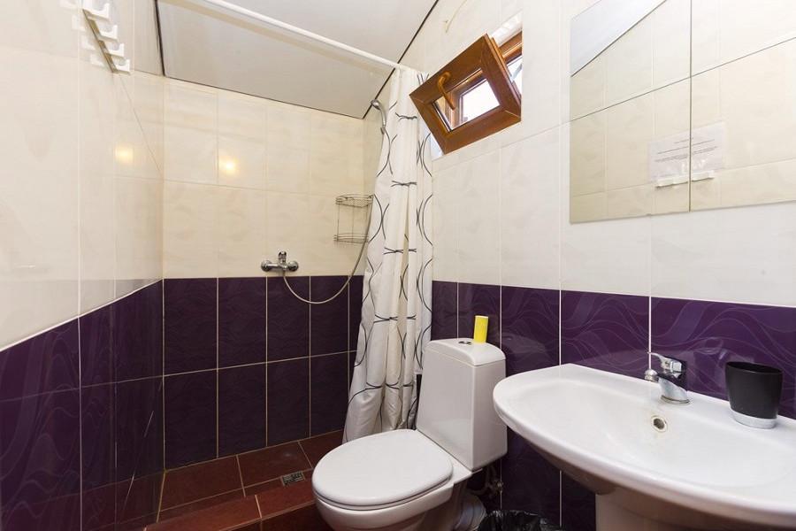 Туалетная комната в коттедже пансионата Бригантина