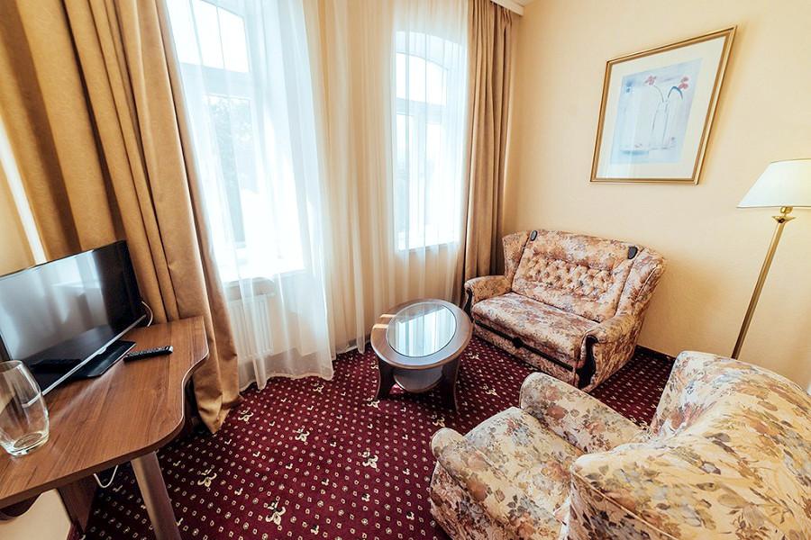 Сюит двухместный двухкомнатный отеля Бристоль
