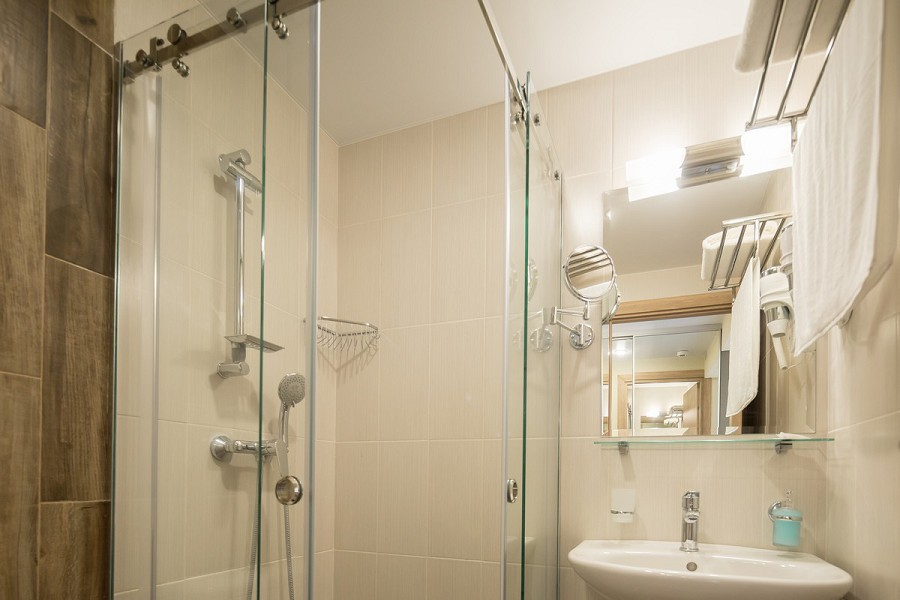 Туалетная комната номера Стандарт в Корпусе №2 пансионата Бургас