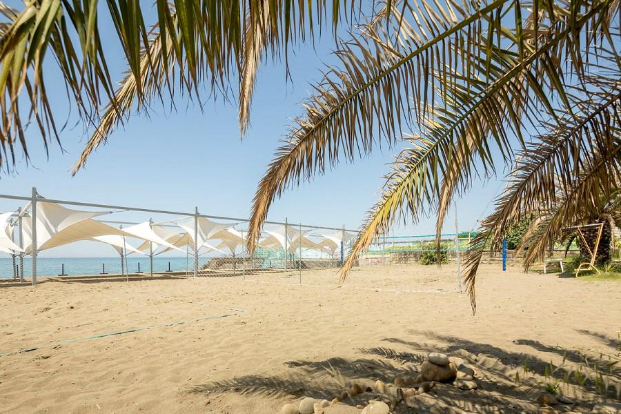 Волейбольная площадка на пляже пансионата Бургас
