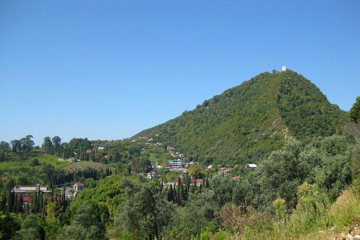 Анакопийская крепость на вершине Иверской горы в Новом Афоне