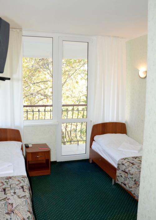 Улучшенный двухместный номер гостиницы Чайка