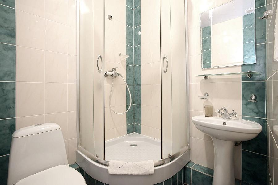Туалетная комната номера ПК в пансионате им. Чехова