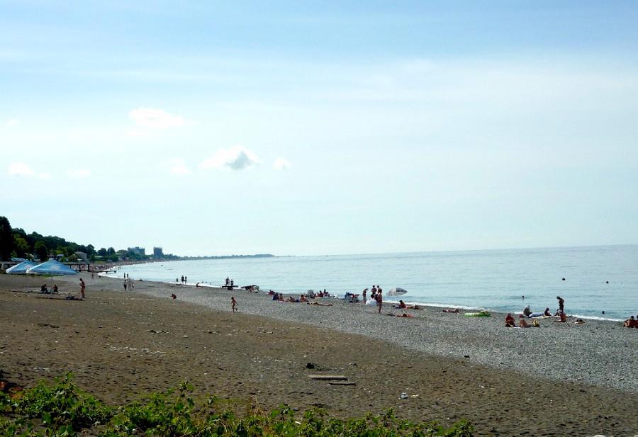 Пляж санатория им. Челюскинцев, Гагра, Абхазия