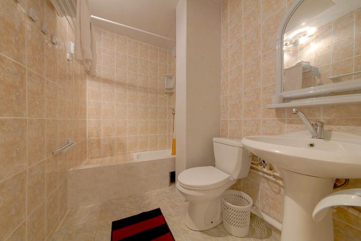 Туалетная комната Стандартного двухместного номера в гостинице Черноморская