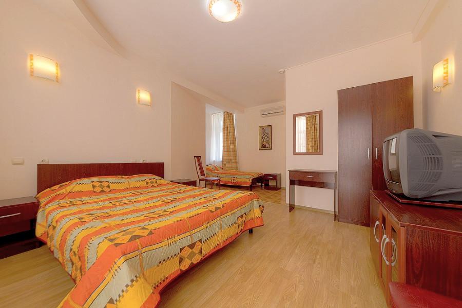 Стандарт трехместный гостиницы Черноморская