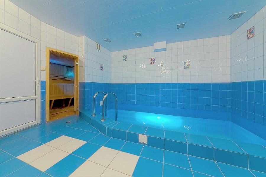 Сауна с бассейном в гостинице Черноморская