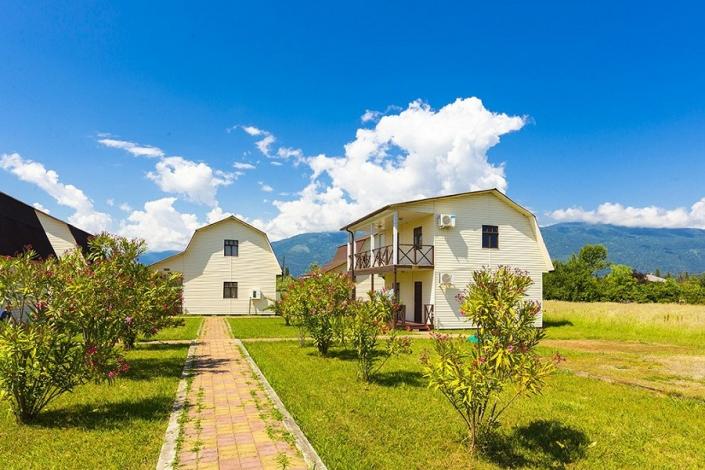 Коттеджный комплекс Чистая вода, Абхазия, Пицунда, пос. Алахадзы