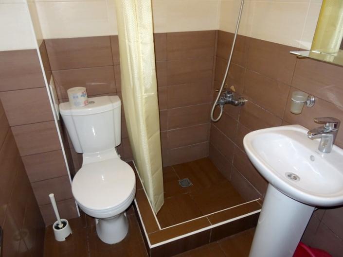 Туалетная комната Стандартного номера отеля Цитрус