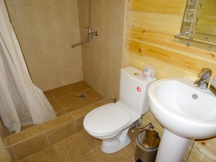Туалетная комната в коттедже отеля Цитрус