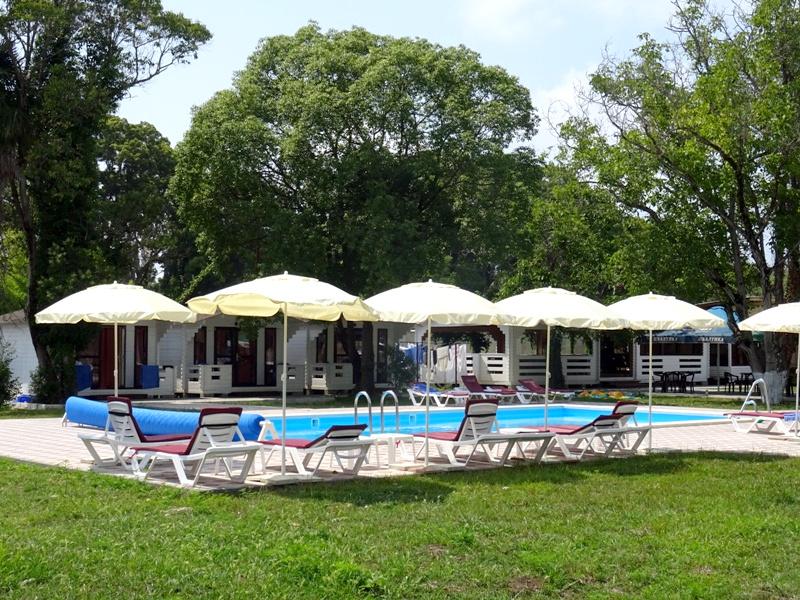 Территория отеля Цитрус