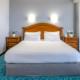 Люкс с двуспальной кроватью в City Park Hotel