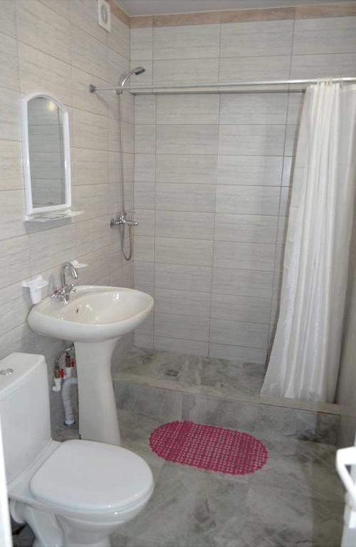 Туалетная комната в номере пансионата Кукуруза, Сочи, Мамайка