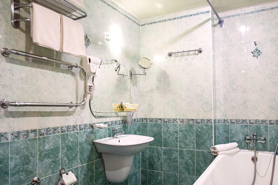 Туалетная комната номера Сюит Джуниор отеля Де ла Мапа