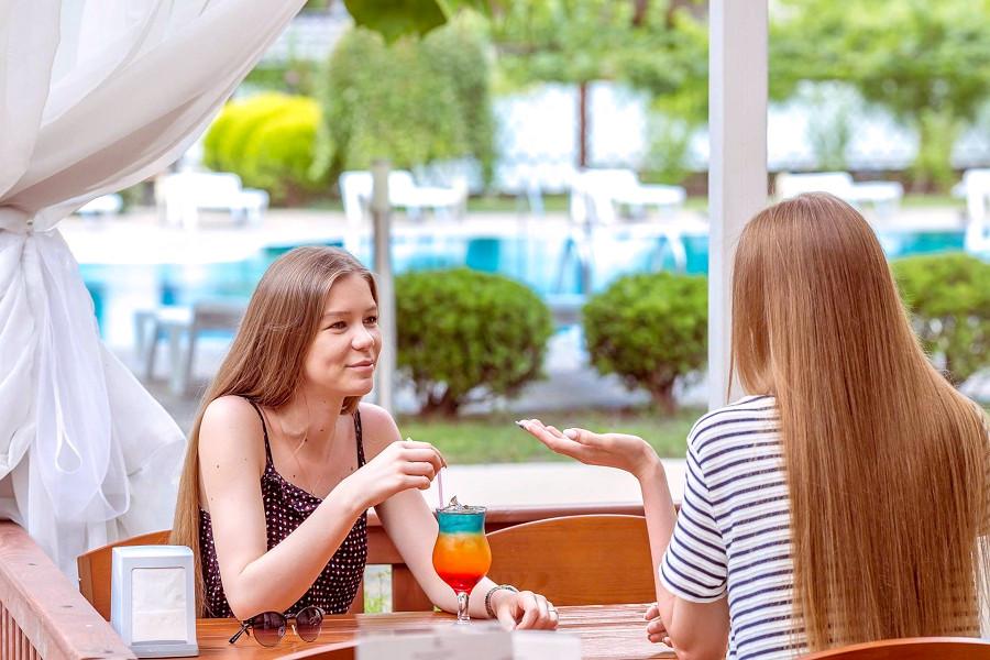 Бар у бассейна отеля Де ла Мапа