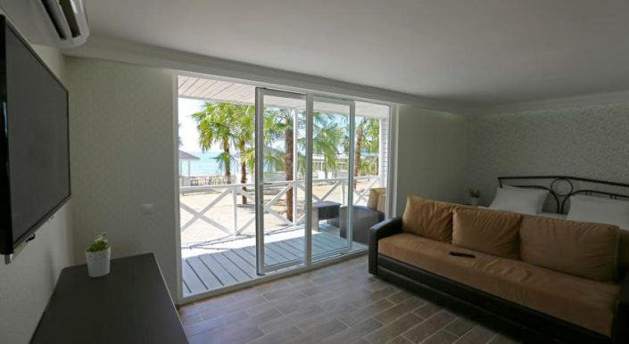 Бунгало на пляже отеля Del Mar