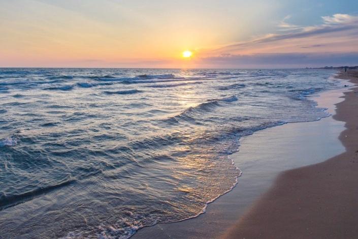 Вечер на пляже Джемете, Анапа