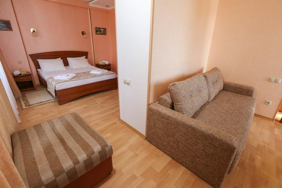 Номер Люкс отеля Дельфин, Пицунда, Абхазия