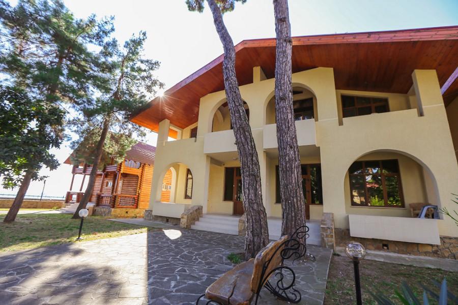 Малый Коттедж отеля Дельфин, Пицунда, Абхазия