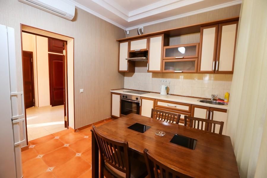 Кухня в Большом Коттедже отеля Дельфин, Пицунда, Абхазия
