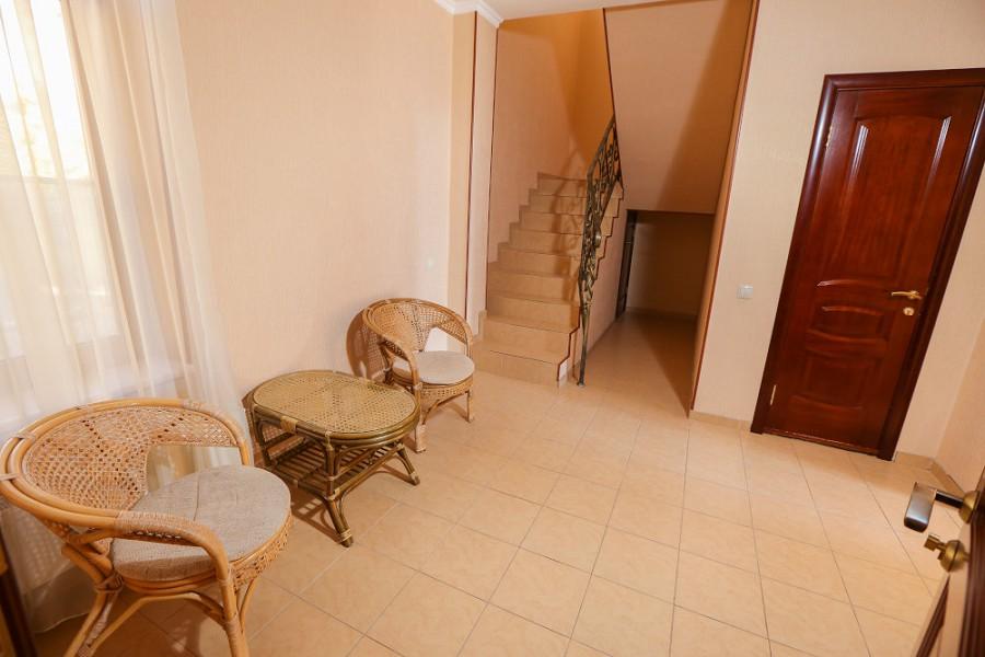 Обстановка в Большом Коттедже отеля Дельфин, Пицунда, Абхазия