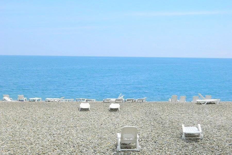 Пляж отеля Дельфин, Пицунда, Абхазия