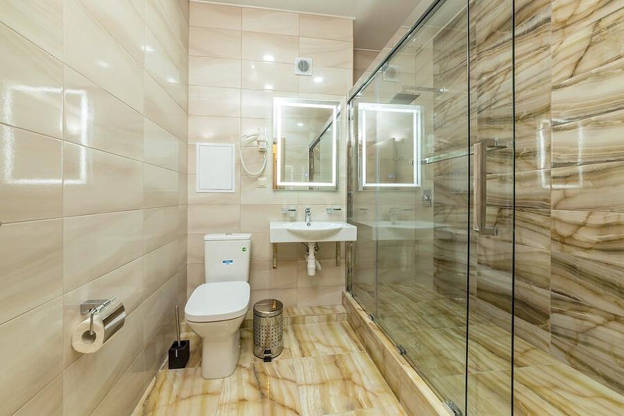 Туалетная комната Стандартного номера отеля ДельМарИнн