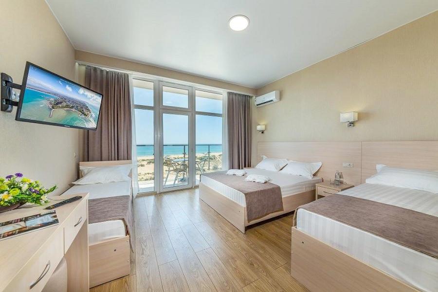 Стандарт четырехместный отеля ДельМарИнн