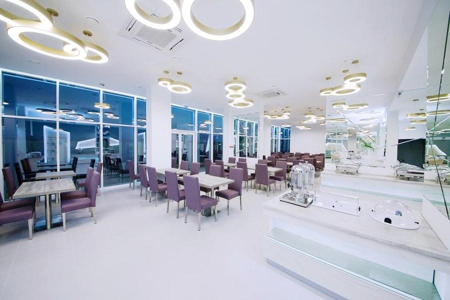 Ресторан отеля ДельМарИнн
