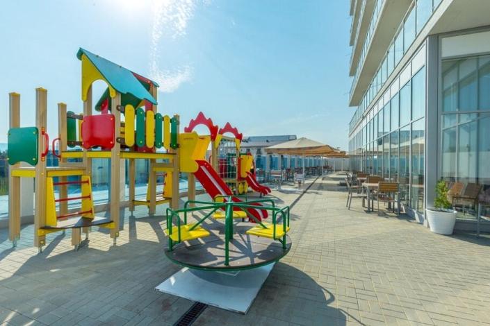 Детский городок на территории отеля ДельМарИнн