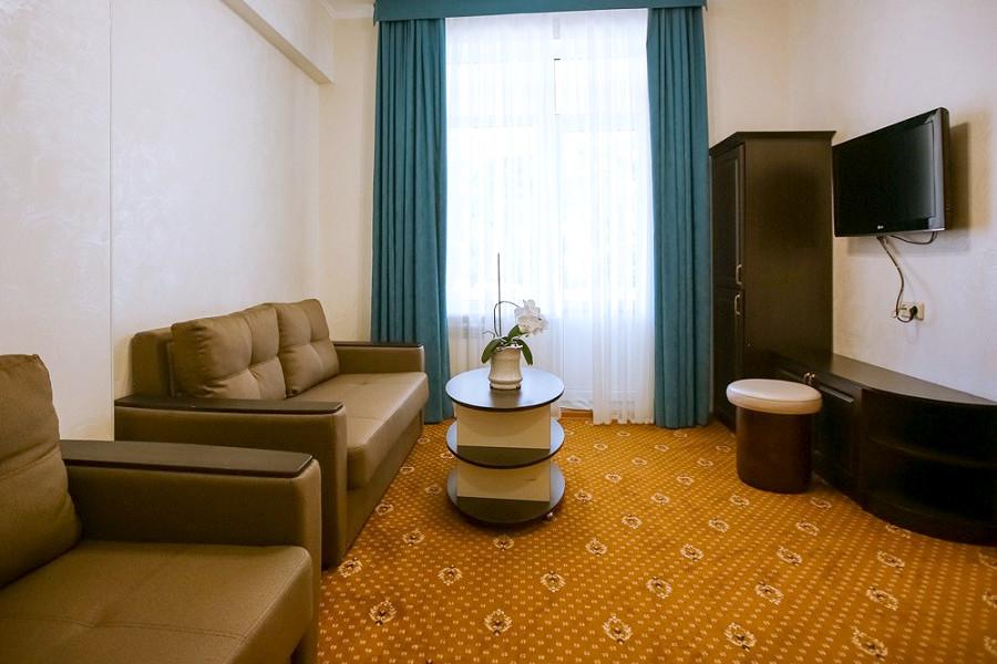 Комфорт двухместный двухкомнатный парк-отеля Демерджи