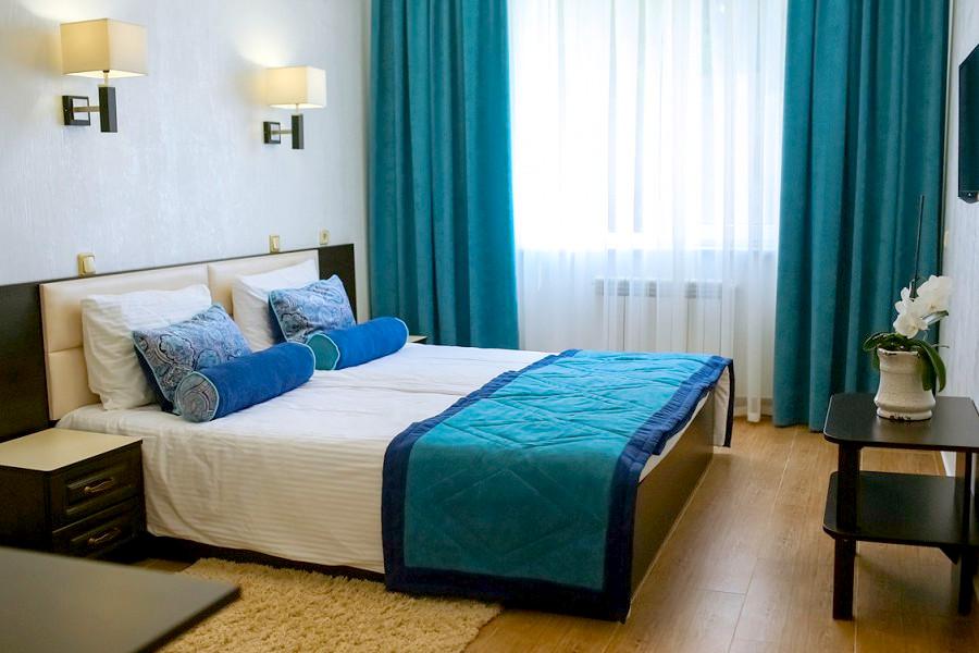 Комфорт двухместный трехкомнатный парк-отеля Демерджи