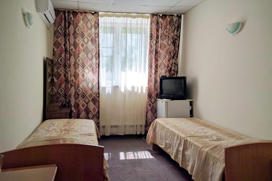 Эконом двухместный с раздельными кроватями в отеле Дивный