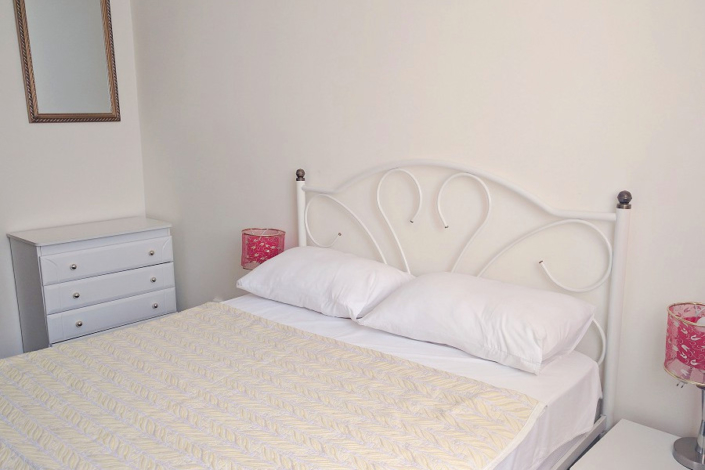 Эконом двухместный с двуспальной кроватью в отеле Дивный