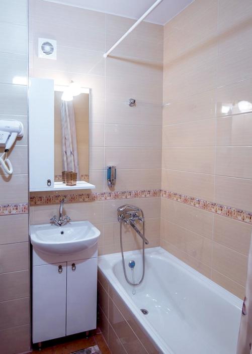 Туалетная комната номера Комфорт Плюс в отеле Донна Роза