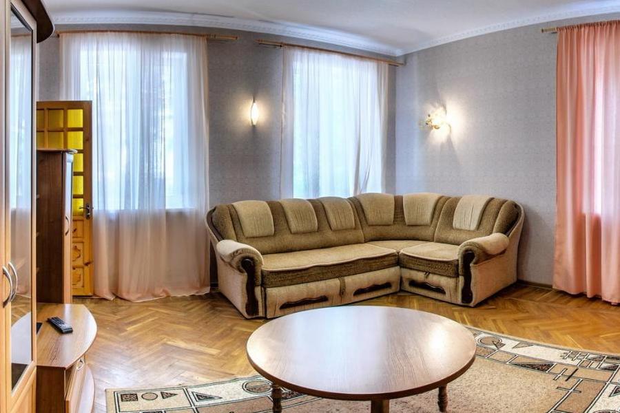 Гостиная в коттедже № 2 санатория Дружба
