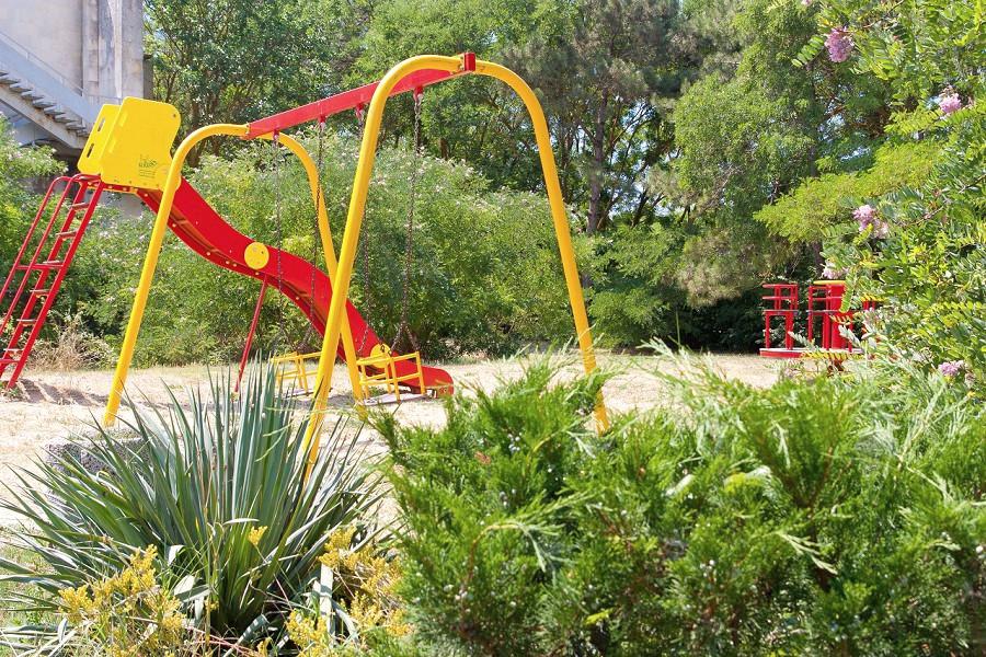 Детская площадка санатория Дружба