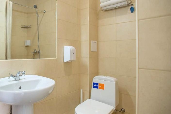 Туалетная комната номера Эконом в пансионате Dublin & Dolphin