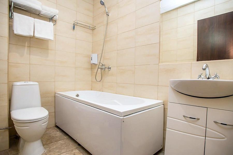 Туалетная комната номера Стандарт с балконом в пансионате Dublin & Dolphin