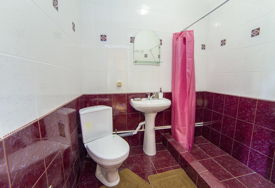 Туалетная комната Улучшенного номера в Новом корпусе Duglas Hotel