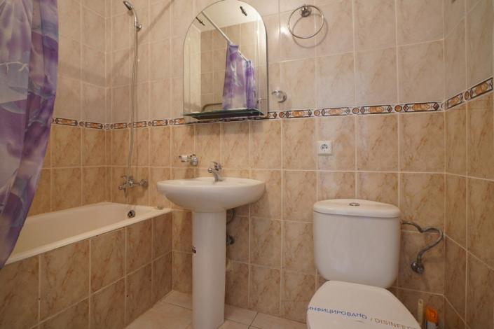 Туалетная комната Стандартного номера в Корпусе 1 санатория Дюльбер