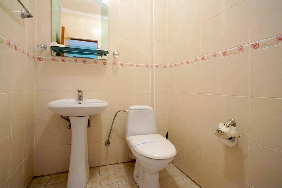 Туалетная комната номера Полулюкс двухкомнатный в Корпусе 3 санатория Дюльбер