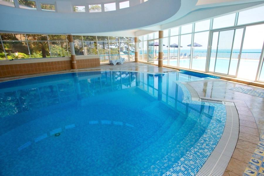 Крытый бассейн санатория Дюльбер