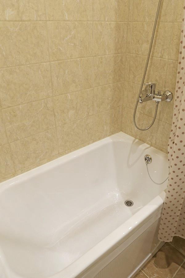 Ванна номера Люкс отеля ДжаНат, Сухум, Абхазия