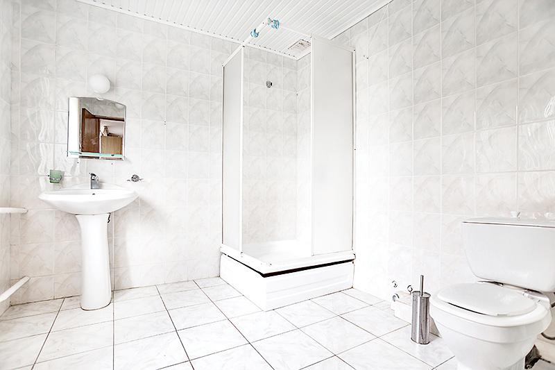 Туалетная комната Бюджетного номера пансионата Джемете