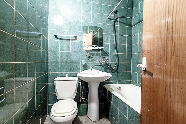 Туалетная комната Стандартного трехместного номера пансионата Джемете